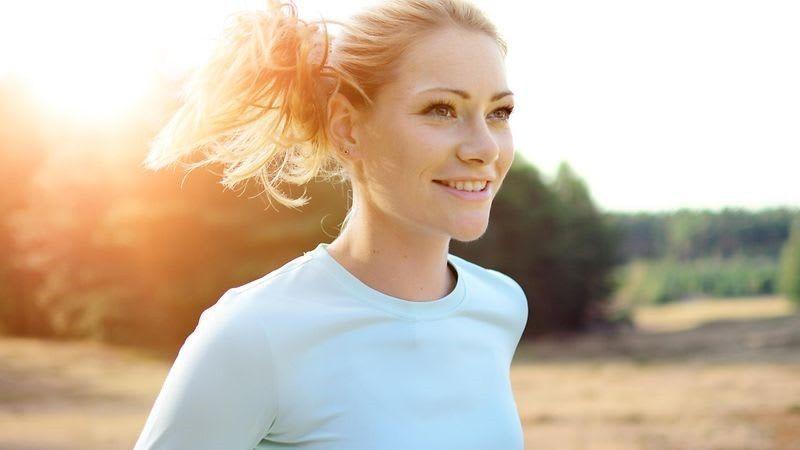 Prava odjeća za trčanje U poređenju s mnogim drugim sportovima, za trčanje vam ne treba mnogo opreme